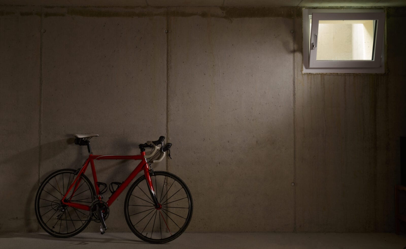 Fahrrad das im Keller steht