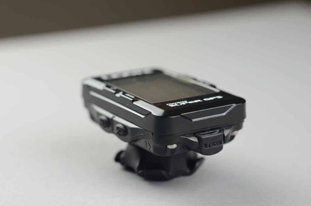 Super GPS avec fixation X-Lock sur le guidon