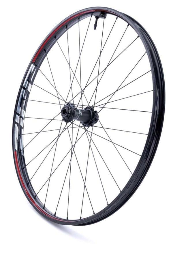 Zipp 3ZERO MOTO Disc 6 Loch Boost Carbon Laufradsatz wheelset Xp Sport 01