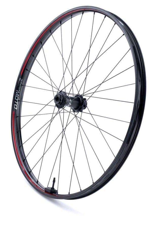 Zipp 3ZERO MOTO Disc 6 Loch Boost Carbon Laufradsatz wheelset Xp Sport 02