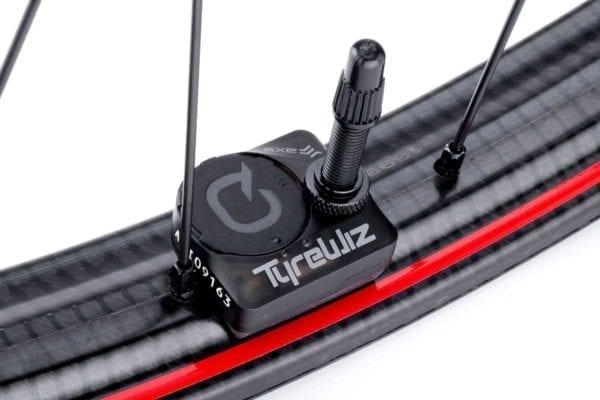 Zipp 3ZERO MOTO Disc 6 Loch Boost Carbon Laufradsatz wheelset Xp Sport 05