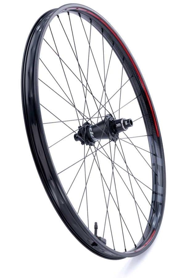 Zipp 3ZERO MOTO Disc 6 Loch Boost Carbon Laufradsatz wheelset Xp Sport 06