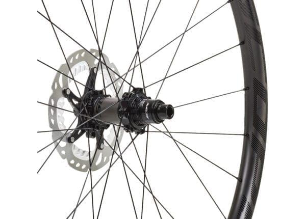 Scope O2D 29 Carbon Laufradsatz black wheels XP Sport 03 scaled