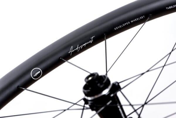 HUNT 48 Limitless Aero Disc Laufradsatz carbon wheels XP Sport 04