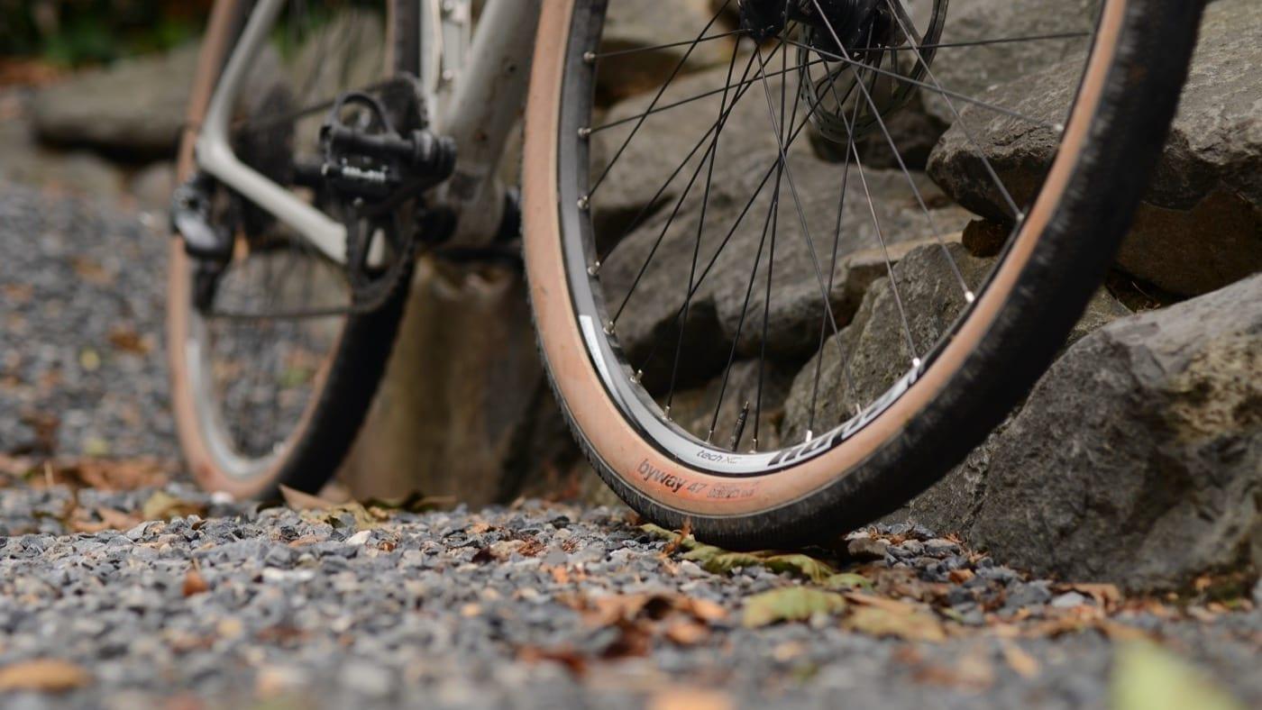WTB pneus Byway 47 près