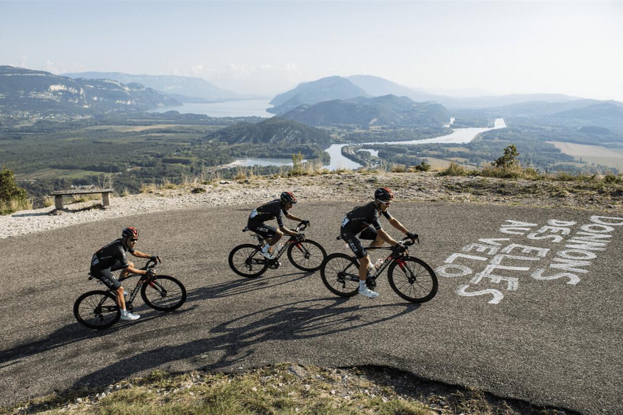 Équipe INEOS - Bernal, Kwiatkowski et Castroviejo au Grand Colombier lors de la 15e étape du Tour de France 2020.